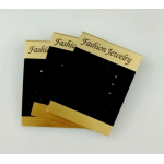 แผงสำหรับใส่ต่างหูโชว์ แบบลาสติกสีทอง ติดกัมมะหยีสีดำคั้นกลาง