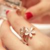 แหวนไฮโซ ดอกไม้โอปอล+เพชร