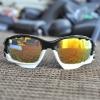 แว่นตาปั่นจักรยาน Oakley Jawbone ดำ-ขาว