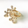 แหวนฟรีไซต์ ดอกไม้ ขนาดรอบนิ้ว 6 ซม. ความกว้งของดอกไม้ 2.5 ซฒ.