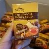 สบู่สมุนไพรขมิ้นผสมน้ำผึ้ง by Money (Turmeric & Honey Soap)เรทส่ง 60-70 บาท