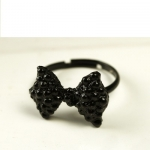 แหวนโบว์ดำ