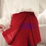 พร้อมส่ง กางเกงขาสั้นแฟชั่น (size s, m) สีแดง