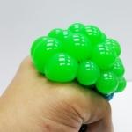 PB035 ลูกบีบ สีเขียว เด้งได้บีบสนุกมือ (1)