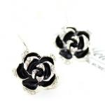 ต่างหูดอกกุหลาบสีดำเกสรเพชร