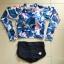 SM-V1-514 ชุดว่ายน้ำแขนยาวลายนกฟลามิงโก้ โทนสีน้ำเงินขาว กางเกงสีน้ำเงินกรมท่า thumbnail 2