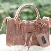 กระเป๋าแฟชั่นถือหรือสะพาย ทรง Balenciaga สุด hot ราคา 1,090 บาท Free Ems สีชมพู