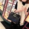 กระเป๋าถือสะพาย แฟชั่นสไตล์ ขนาด 10 นิ้ว กำลังดี Medium Kelly Croco สีดำ สวยดูดีมากๆค่ะ ราคา 1,190 บาท Free Ems