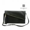 เก๋สุดๆ chic กับ กระเป๋าคลัช หนังสวย Clutch Bag มันเงา จาก Givenchy แท้