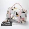 กระเป๋าเดินทาง ลายกราฟฟิค สีชมพู รุ่นใหม่ล่าสุดจาก ยี่ห้อ Victoria's Secret Size M