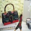 กระเป๋าถือสะพาย แฟชั่น สไตล์ Gucci style หูไม้ งานปัก รุ่น Limited งานสั่งผลิตไม่ติด logo ขนาด 9 นิ้ว ราคา 1290 ส่งฟรี ems