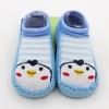 ถุงเท้ารองเท้า มีกันลื่น เนื้อผ้านุ่มนิ่ม สำหรับเด็กวัย 6-12m/12-18m ลายเพนกวินสีฟ้า