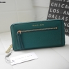 กระเป๋าสตางค์ Charle & Keith Front Zip Detail Wallet เขียว ราคา 1,090 บาท Free Ems