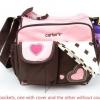 กระเป๋าใส่ของใช้เด็ก Carter's สะพายใบเล็ก ปักลายหัวใจ