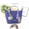 กระเป๋า GUESS SAFFIANO MINI CROSS BODY BAG 2016 สีน้ำเงิน ราคา 1,290 บาท Free Ems
