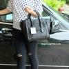 กระเป๋า BERKE HANDBAG กระเป๋าทรงหรู look like Celine brand หนังดีมาก จาก แบรนด์ BERKE อยู่ทรงสวยค่ะ หนังเนื้อดี เรียบหรู ขนาดกำลังดีเลย จุของคุ้มมากสำหรับผู้หญิง ภายในมีช่องซิปย่อยแยกเป็นสัดส่วน