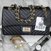 กระเป๋า KEEP shoulder chevon chain handbag สีดำ สวย หรู มากๆ เลยน๊า กระเป๋าอยู่ทรง #หนังแกะนิ่มมากคะ สายโซ่สะพายสบายคะ สายปรับ สั้น ยาวได้คะ ภายในสีแดง มีช่องใส่ของจุกจิกหลายช่องแบ่งเก็บของเป็นสัดส่วนมากๆคะ #ใบจริงสวยมาก เข้ากับชุดได้ง