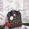 กระเป๋า Anello Cotton canvas collection อีกคอลเลคชั่นที่กำลังนิยมและฮิตฝุดๆในตอนนี้ สีสันลวดลายเป็นเอกลักษณ์เฉพาะ รุ่นนี้เป็นผ้าCottonผสมผลานCanvas