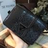 กระเป๋าสะพายข้าง สีดำ black GUESS MINI SHOULDER BAG ราคา 1,290 บาท Free Ems