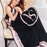 ผ้าห่ม Victoria's Secret Blankets Premium Gift ลายดำชมพู