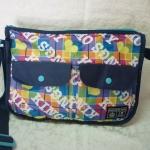 กระเป๋าสะพายน่ารักสดใส น้ำหนักเบา น่าใช้มากๆ
