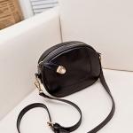 กระเป๋าสะพายแฟชั่น Mini Circle สีดำ