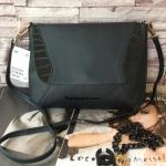กระเป๋าสะพาย H&M รุ่น shoulder bag รุ่นใหม่ หนัง PU ด้านในกว้างอยู่ทรงใส่ของได้เยอะ สายสะพายตะขอทองถอดเก็บได้