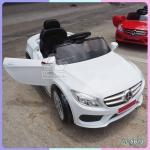 รถแบตเตอรี่เด็กเบนซ์ สีขาว 2 มอเตอร์ เปิดประตูได้ มีรีโมท หรือบังคับเองได้