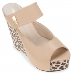 รองเท้าส้นเตารีด ไซส์พิเศษ สีเบจ สไตล์ยุโรป ไซส์ 45 รุ่น CH0123 แบรนด์ CHOWY