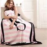 ผ้า Victoria's Secret Blankets Premium Gift ลายสีชมพูขาว