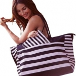 กระเป๋าVictoria's Secret Weekender Large Duffel Bag ราคา 1,590 บาท Free Ems