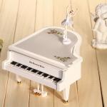 กล่องดนตรีเปียโน (ใหญ่) ตุ๊กตาบันเล่เต้นรำ