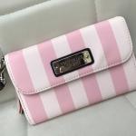 กระเป๋าสตางค์ Victoria's Secret Wallet 2017 สีชมพูลายขาว ราคา 1,190 บาท Free Ems