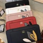 NEW! LYN Long Wallet กระเป๋าสตางค์ใบยาวซิปรอบรุ่นใหม่ล่าสุดวัสดุหนัง Saffiano สวยหรูสไตล์ PRADA ด้านหน้าประดับลายใบไม้ดูมีดีเทล