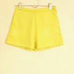 สินค้ามีตำหนิ.. ราคาพิเศษ.. เสื้อผ้าผู้หญิงพร้อมส่ง กางเกงขาสั้นผู้หญิง เอวสูง ไซส์ S ทรงขอบเล็ก สีเหลืองเลมอน ผ้าสเปนเด็กซ์เนื้อยืด