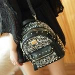 กระเป๋าเป้ Daimond Backpack Korea Style ตัวกระเป๋าประดับด้วยกลิตเตอร์ งานประณีต สวย รับรองไม่ผิดหวังคร่า จะสะพายเป็นเป้หลัง หรือ ปรับเป็นสะพายข้าง