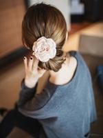 KOREAN IMPORTED HAIR ACCESSORIES ยางรัดผม ติดดอกไม้ผ้าซาตินสีชมพู งานเกาหลี