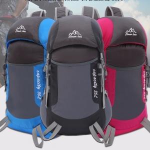 กระเป๋าเป้พับเก็บได้ ขนาด 35 ลิตร น้ำหนักเบา ผลิตจากโพลีเอสเตอร์ กันน้ำ ทนทาน เหมาะสำหรับเดินทาง ท่องเที่ยว