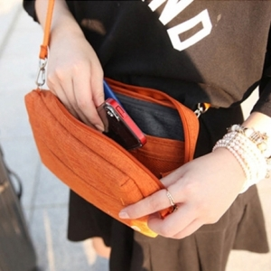 DINIWELL กระเป๋าสะพายข้าง ขนาดกลาง พาดลำตัว กันน้ำ ช่องเยอะ คุณภาพดี สายสะพายเงาสวย มี 5 สีให้เลือก