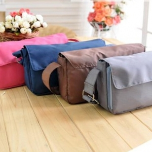 กระเป๋าสะพายข้างอเนกประสงค์ สำหรับใส่เอกสาร พาสปอร์ต บัตรต่างๆ หรือของจุกจิก ช่องเยอะ พกพาสะดวก ผลิตจากไนล่อน น้ำหนักเบา ทนทาน เหมาะสำหรับเดินทาง