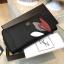NEW! LYN Long Wallet กระเป๋าสตางค์ใบยาวซิปรอบรุ่นใหม่ล่าสุดวัสดุหนัง Saffiano สวยหรูสไตล์ PRADA ด้านหน้าประดับลายใบไม้ดูมีดีเทล thumbnail 2