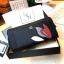 NEW! LYN Long Wallet กระเป๋าสตางค์ใบยาวซิปรอบรุ่นใหม่ล่าสุดวัสดุหนัง Saffiano สวยหรูสไตล์ PRADA ด้านหน้าประดับลายใบไม้ดูมีดีเทล thumbnail 12