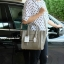 กระเป๋า BERKE HANDBAG กระเป๋าทรงหรู look like Celine brand หนังดีมาก จาก แบรนด์ BERKE อยู่ทรงสวยค่ะ หนังเนื้อดี เรียบหรู ขนาดกำลังดีเลย จุของคุ้มมากสำหรับผู้หญิง ภายในมีช่องซิปย่อยแยกเป็นสัดส่วน thumbnail 8