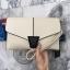 กระเป๋า KEEP Clutch bag with strap Size L สีขาว ขนาดใหม่คะ กระเป๋าสะพาย ปรับเก็บสายถือเป็น clutch bag ได้คะ thumbnail 2
