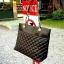 กระเป๋า MANGO Quilted Leather Casual Shopping Bags พร้อมส่ง กระเป๋าสะพายไหล่ทรง Shopping bag ดีไซน์สวยคลาสสิคสไตล์ Casual วัสดุหนัง Polyether100% เเบบนิ่ม เดินลายตารางประดับหมุดกลมวิ้งๆ เปิดปิดด้วยกระดุมเเม่เหล็ก พร้อมสายสะพายโซ่ต่อหนัง ภายในสี Red Wine ม thumbnail 1