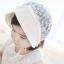 หมวกบอนเน็ตผ้าลูกไม้ หมวกเด็กผู้หญิงปิดท้ายทอย สีครีม (แบบที่ 2) thumbnail 7