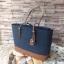 กระเป๋าถือหรือสะพาย Guess Peak Navy Blue Tote Shoulder Bag ราคา 1,690 บาท Free Ems thumbnail 3
