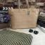 กระเป๋าทรงเรียบเก๋จาก MANGO รุ่น FAUX-LEATHER SHOPPER BAG ด้านหน้ามีโลโก้สีเงิน thumbnail 10