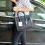 กระเป๋า BERKE HANDBAG กระเป๋าทรงหรู look like Celine brand หนังดีมาก จาก แบรนด์ BERKE อยู่ทรงสวยค่ะ หนังเนื้อดี เรียบหรู ขนาดกำลังดีเลย จุของคุ้มมากสำหรับผู้หญิง ภายในมีช่องซิปย่อยแยกเป็นสัดส่วน thumbnail 2