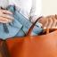 กระเป๋าใส่ไอแพด หรือแท็บเล็ต ผลิตจากโพลีเอสเตอร์เนื้อละเอียด บุด้วยใยสังเคราะห์เนื้อนุ่ม พกพาสะดวก ป้องกันรอยขีดข่วนได้ดีมาก thumbnail 15